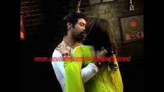 getlinkyoutube.com-Kumkum Bhagya:Drunk Abhi romances with Pragya