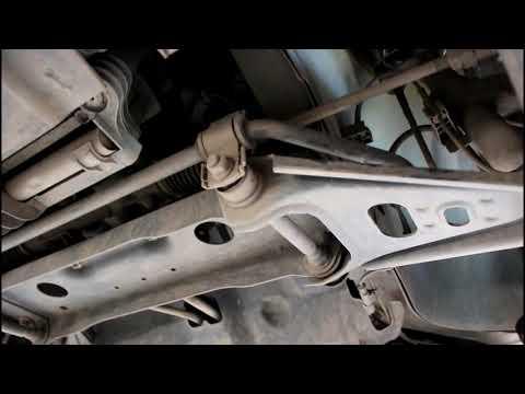 Замена втулок переднего стабилизатора  Mercedes Smart Fortwo 451 Смарт Форту 2010 года 0,8 дизель