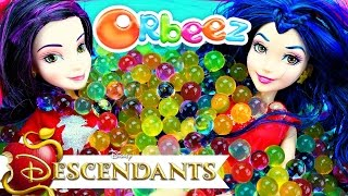getlinkyoutube.com-DISNEY DESCENDANTS MAL'S and EVIE'S Magical ORBEEZ Party
