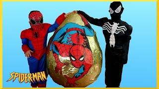 getlinkyoutube.com-GIANT EGG SURPRISE OPENING SPIDERMAN VS VENOM Superhero Battle Kids Marvel Superhero Toys Kids Video