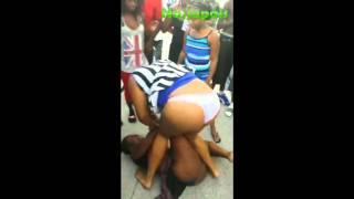 getlinkyoutube.com-2 girls fight over a guy [Naijapals.com]