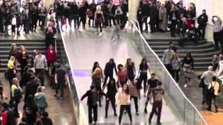 getlinkyoutube.com-Thriller Flashmob 2013