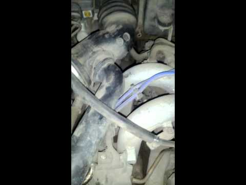 Subaru Impreza после замены жидкости гур, при повороте руля хлопок.