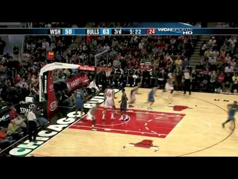 Derrick Rose crosses John Wall and lays it in
