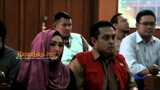 getlinkyoutube.com-Edies Adelia Rayakan HUT Perkawinan Dalam Tahanan