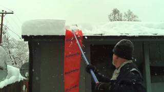 getlinkyoutube.com-Avalanche Roof snow removal