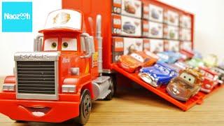 getlinkyoutube.com-カーズ トミカ たくさんのせよう! 大きなマック / Tomica, Disney Pixar Cars,  Mack Carry Case