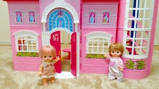 getlinkyoutube.com-メルちゃんとネネちゃん、バービーの家 / The Mell-chan House meets Barbie House : 2-house Collaboration !