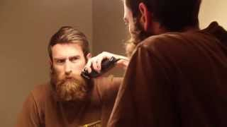 getlinkyoutube.com-Guy Shaves Off Huge Beard for Mother for Christmas. Watch His Mom's Reaction!