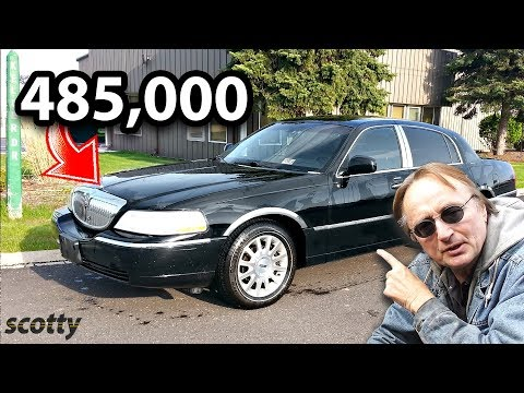 Here's What a Lincoln Town Car Looks Like After 485,000 Miles
