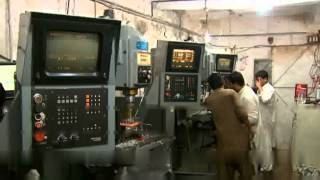 getlinkyoutube.com-The dying art of Pakistan's gun makers