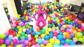 getlinkyoutube.com-Epic Balloons Surprise PRANK