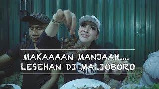Bahagianya Incess....!!! Makan Lesehan Di Malioboroo...
