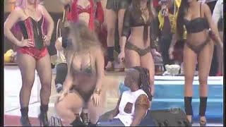getlinkyoutube.com-Arícia Silva dançando funk Linda D+