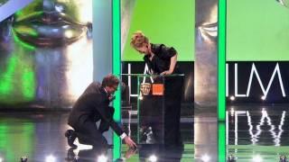 getlinkyoutube.com-Meryl Streep wins a BAFTA but almost loses a shoe - The British Academy Film Awards 2012 - BBC One