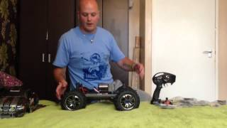 getlinkyoutube.com-Unboxing the Traxxas E Maxx Brushless Edition
