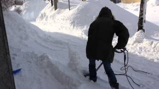 getlinkyoutube.com-電動除雪機 ハンディタイプの威力! Electricity   Snowplow Power ハンディスノーリィ ASL-H1500W