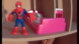 getlinkyoutube.com-Casa de  Boneca Imaginext Spiderman Homem Aranha Super Homem Mulher Maravilha Homem de Ferro