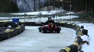 getlinkyoutube.com-Go-kart sul ghiaccio SBUCANAMENTO Ice-Karting in Andalo