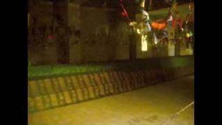 getlinkyoutube.com-Longest Grave in the World(216 feet)