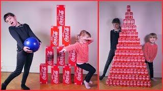 getlinkyoutube.com-PYRAMIDE COCA COLA 100 CANETTES • On joue au bowling avec ! :) - Studio Bubble Tea unboxing