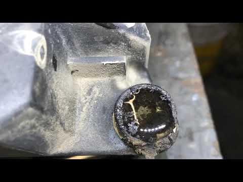 Эмульсия в бачке вентиляции картерных газов (ВКГ) Volvo XC90