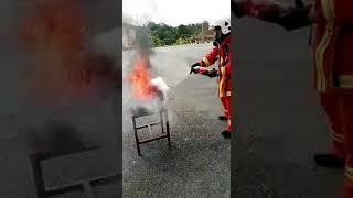 Viral bomba padam api guna Air Gas tak berjaya