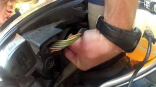 getlinkyoutube.com-Peugeot 308 : Changer les ampoules de feux de code