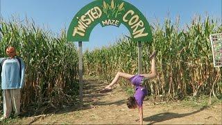 getlinkyoutube.com-Twisted Corn Maze (WK 303) | Bratayley