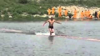 getlinkyoutube.com-পানির উপর দিয়ে হেঁটে বিশ্বরেকর্ড !(ভিডিও সহ)