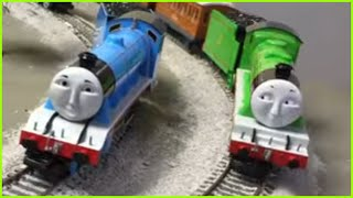 getlinkyoutube.com-World's Strongest Locomotive -Thomas & Friends Trains Gordon, Spencer, Henry