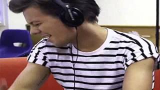 getlinkyoutube.com-Bomba- One Direction