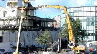 getlinkyoutube.com-Unfall bei Abrissarbeiten / Accident during demolition, Teil 2 - Soeren66