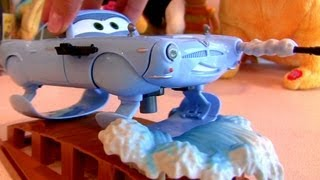 getlinkyoutube.com-Klip Kitz Hydrofoil Finn McMissile CARS 2 Disney Pixar Buildable Toys by Funtoys Disney Toy Review