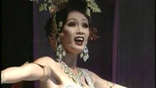 getlinkyoutube.com-Amazing Thailand Tiffany show พี่ม้อยค่ะ