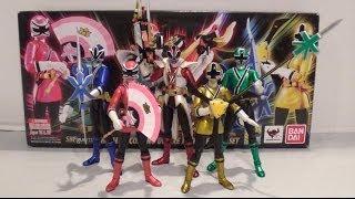 getlinkyoutube.com-SDCC 2013 S.H. Figuarts Power Rangers Super Samurai Set Review [Power Rangers Super Samurai]
