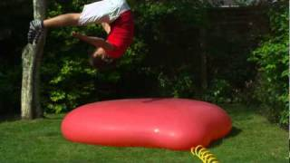 getlinkyoutube.com-Balão gigante de água em câmera lenta