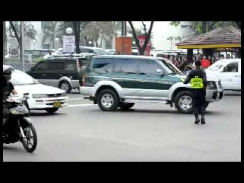 Dancing Cop Directs Traffic