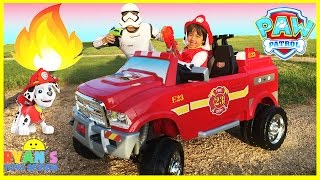 getlinkyoutube.com-FIRE TRUCK FOR KIDS POWER WHEELS RIDE ON Paw Patrol Video Marshall Put out Fire Egg Surprise Toys