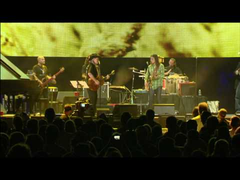Willie Nelson and Lukas Nelson - Fathers and Mothers (Live at Farm Aid 2011)