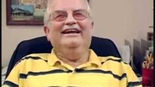 getlinkyoutube.com-Skype - Alter mann lacht lustig