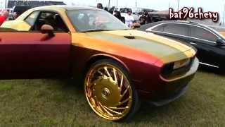 "getlinkyoutube.com-Outrageous GOLD Dodge Challenger on 30"" DUB ""DA U"" GOLD Floaters - 1080p HD"