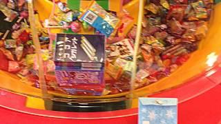 getlinkyoutube.com-UFOキャッチャー お菓子タワー 大当たり台