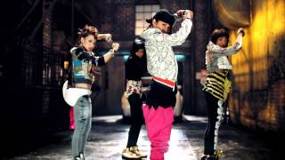 getlinkyoutube.com-2NE1 - FIRE (Street Ver.) M/V