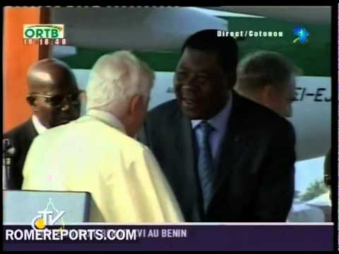 Pope says good-bye to Benin after three day visit