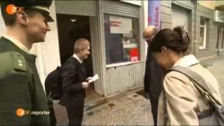 getlinkyoutube.com-Sensationell   Einbürgerung   Migranten vor der Kamera blosgestellt  1  2