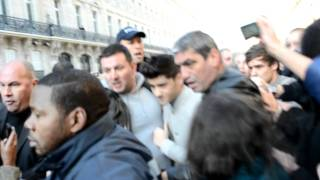 getlinkyoutube.com-One Direction in Paris (Gare du Nord)