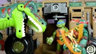 getlinkyoutube.com-Aventuras de Juguetes|Las Tortugas Ninja Contra el T-Rex