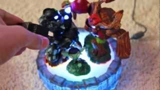 getlinkyoutube.com-Skylanders Giants - Portal of Power Hack (Play a 3-pack still in box - Trick)