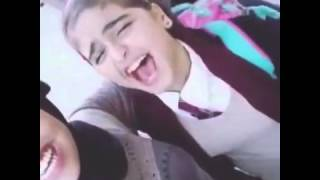 getlinkyoutube.com-حلا الترك مع صديقتها منى الدوسري وتقول احبك.....